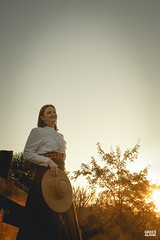 Marci & Júnior-147 (fotosdagreice) Tags: gaúcho gaudério tradicionalista tradicionalismo rio grande do sul rs brasil interior chapéu cavalo campo campana casal amor homem mulher noivos casados ensaio externo sol