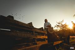 Marci & Júnior-143 (fotosdagreice) Tags: gaúcho gaudério tradicionalista tradicionalismo rio grande do sul rs brasil interior chapéu cavalo campo campana casal amor homem mulher noivos casados ensaio externo sol