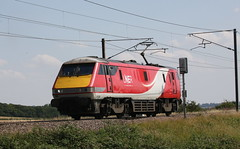 """Dead Man, Running""..... (DC-7C) Tags: electric loco locomotive train engine lner br brel intercity225 class 91 911 electra bobo 91108 91008 frinkleylanecrossing barkstonjunction lincolnshire cityofleeds thomascook 0z91 crewe"