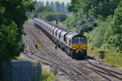 Sunny Scunny Empties (JohnGreyTurner) Tags: br rail uk railway train transport freight goods brocklesby lincolnshire lincs 66 class66 shed fl freightliner hoppers coal diesel engine locomotive
