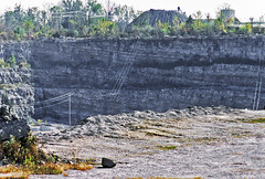Lucas County Monocline (Benchmark Materials-France Stone Company Sylvania Quarry, Lucas County, Ohio, USA) 1 (James St. John) Tags: lucas county monocline monoclines fold folds quarry quarries sylvania ohio