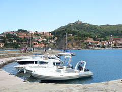 Port Collioure (Kaeko) Tags: trip travel vacation holiday france town europe resort collioure ocean sea boat