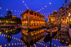 Blue and Gold (Jared Beaney) Tags: canon canon6d asia japan photography photographer travel disney themeparks tokyodisneyresort tokyo tokyodisneyseas tokyodisneysea sea amusementpark amusementparks bluehour venetiancanals mediterraneanharbor reflections reflection