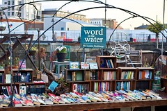 word on the water (@WineAlchemy1) Tags: wordonthewater bookbarge london kingscross regentscanal books canal boat reading bookshop poetryslam fiction fact