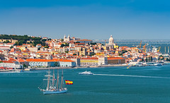 _DS20898 - Lisbon skyline (AlexDROP) Tags: 2019 portugal lisboa lisbon europe art travel architecture color skyline water city boat cityscape nikond750 best iconic famous mustsee picturesque postcard circpl