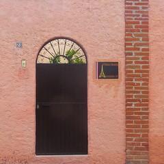 french inn (msdonnalee) Tags: façade facciate fachada wallsofsanmigueldeallende wall brick door doorway entrance puerta tür porta porte portal photosfromsanmigueldeallende address inn