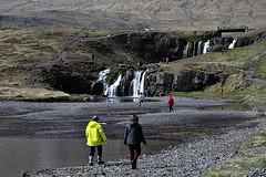 A caminho da cascata!! (puri_) Tags: montanha lava pedras silhuetas cascatas
