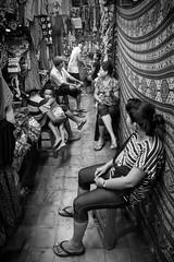 Sukawati market, Bali, Indonesia (pas le matin) Tags: travel voyage world asia asie southeastasia indonésie indonesia bali nb bw noiretblanc blackandwhite candid market marché sukawati pasarsenisukawati people gens monochrome canon 7d canon7d canoneos7d eos7d