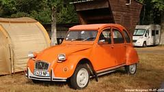 Citroën 2CV 1975 (Wouter Bregman) Tags: ce433np citroën 2cv 1975 citroën2cv 2pk eend geit deuche deudeuche 2cv6 orange célébrationcentenairedecitroën célébration centenaire 2019 lafertévidame 28 eureetloire eure et loire france frankrijk vintage old classic french car auto automobile voiture ancienne française vehicle outdoor