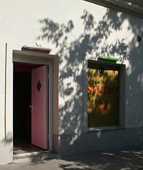 Come on in! (Wolfgang Bazer) Tags: klosterneuburger strase brigittenau 20 bezirk 20th district wien vienna österreich austria studio puff bordell whorehouse brothel shadows schatten rosa tür pink door 22