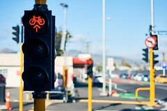 20190503-DSC_1645 2 (wangxu94) Tags: aotearoa newzealand canterbury christchurch city trafficlights bicycle depthoffield bokeh street geo:lat=4353625097 geo:lon=17262767776 geotagged
