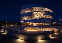 Mercedes-Benz-Museum Stuttgart, Blue Hour (Rainer Albrecht) Tags: blauestunde mercedes bluehour stuttgart benz museum