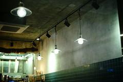 2159/1949:z (june1777) Tags: snap street seoul night light bokeh sony a7ii helios 442 58mm f2 russian m42 640 clear cafe