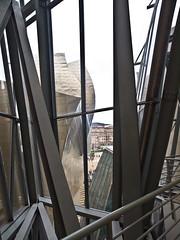 Futuristisch / Futuristc # 28 (schreibtnix on'n off) Tags: reisen travelling europa europe spanien spain bilbao gebäude building guggenheimmuseum frankogehry futuristisch futuristc olympuse5 schreibtnix