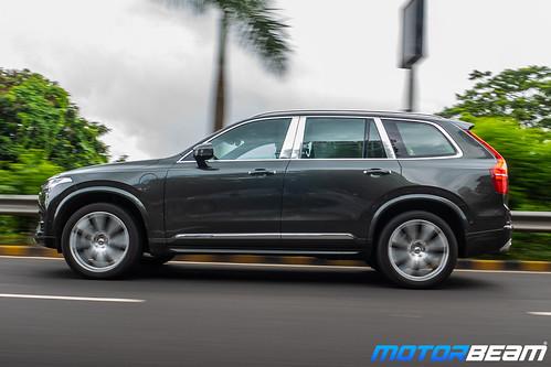 Volvo-XC90-T8-Hybrid-3