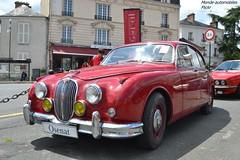 Jaguar MKII 1967 (Monde-Auto Passion Photos) Tags: voiture vehicule auto automobile jaguar mkii berline red rouge ancienne classique collection vente enchère osenat france fontainebleau