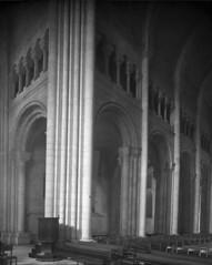 Monumentos Nacionais. Lisboa, Portugal (Biblioteca de Arte-Fundação Calouste Gulbenkian) Tags: fundaçãocaloustegulbenkian gulbenkian bibliotecadearte biblioteca arte márionovais mário novais monumentosnacionais monumentos nacionais interiores sédelisboa sé lisboa portugal