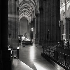 Illumination (Atreides59) Tags: lille nord france lumière light église church cathédrale histoire history pentax k30 k 30 pentaxart atreides atreides59 cedriclafrance black white bw blackandwhite noir blanc nb noiretblanc