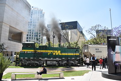 Various cereals arriving downtown (SGBB discovering) Tags: mexico cereal train downtown