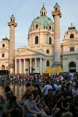 Beim Popfest vor der Karlskirche (Wolfgang Bazer) Tags: popfest music festival karlskirche karlsplatz wien vienna österreich austria sommer summer austrian musicians österreichische musiker