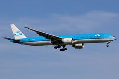 "PH-BVI | Boeing 777-306ER | KLM ""Tierra del Fuego National Park"" (cv880m) Tags: newyork jfk kjfk kennedy johnfkennedy aviation airliner airline aircraft airplane jetliner airport spotting planespotting phbvi boeing 777 773 777300 777306 klm royaldutchairlines netherlands tierradelfuego nationalpark triple7 tripleseven dutch"