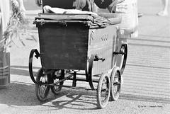 Vieux landau du millénaire dernier (EmArt baudry) Tags: marguerittes gard occitanie pégoulade fêtevotive animation festival fest paasé histoire history past ancient ancien portrait people landau pram blackandwhite noiretblanc old vieux
