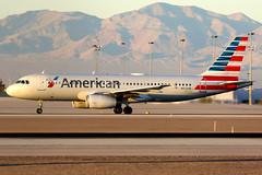 American Airlines | Airbus A320-200 | N652AW | Las Vegas McCarran (Dennis HKG) Tags: aircraft airplane airport plane planespotting oneworld canon 7d 100400 lasvegas mccarran klas las american americanairlines aal aa usa airbus a320 airbusa320 n652aw