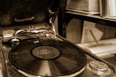 Den Gamle By (Tuomo Lindfors) Tags: tanska danmark denmark aarhus århus dengamleby gramofoni gramophone phonograph record levy dxo filmpack