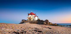 _DSC7090 - Capela do Senhor da Pedra (AlexDROP) Tags: 2019 portugal porto europe art travel architecture color cityscape skyline sea water church bluehour nikond750 tamronaf1735mmf284diosda037 best iconic famous mustsee picturesque postcard panoramic