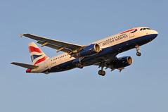 'SHT7X' (BA1495) GLA-LHR (A380spotter) Tags: approach landing arrival finals shortfinals threshold belly airbus a320 200 geuup toflytoserve emblem achievement crest coatofarms internationalconsolidatedairlinesgroupsa iag britishairwaysshuttle sht britishairways baw ba sht7x ba1495 glalhr runway27r 27r london heathrow egll