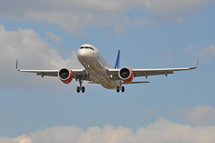 'SK72G' (SK1517) CPH-LHR (A380spotter) Tags: approach landing arrival finals shortfinals threshold belly airbus a320 200n a320neo™ newengineoption cfminternational cfmi leap leap1a leap1a26 turbofan engine powerplant sharklets™ sharklets sharklet™ sharklet wingtipdevices wingtipdevice winglets winglet eisig amlaibviking sasscandinavianairlinesirelandltd szs sasscandinavianairlines sas sk sk72g sk1517 cphlhr runway27r 27r london heathrow egll lhr