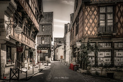 Chinon 2019 (EBoss Fotografie) Tags: indreetloire frankrijk france loire chinon street building architecture house europe travel tourism canon town soe twop supershot