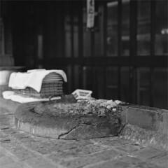 Lunch (O'nabe) (lebre.jaime) Tags: japan 日本 tokyo 東京 asakusa 浅草 traditional restaurant food onabe analogic mediumformat mf squareformat 6x6 film120 ilford xp2 iso400 bw blackwhite noiretblanc pretobranco pb schwarzweis sw hasselblad 503cx planar cf2880 epson v600 affinity affinityphoto