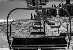 Donner Ski Lift (jnollamarrero) Tags: monocromática monochromatic monochrome skilift ski lift elevator california usa truckee closed spring primavera