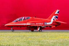"Royal Air Force ""Red Arrows"" British Aerospace Hawk T.1/ 1A XX242 20-7-2019 (Enda Burke) Tags: redarrows british aerospace hawk t1 1a xx242 britishaerospace avgeek aviation royalairforce airplane canon canon7dmk2 cockpit travel takeoff egva fairford raffairford airtatoo royalinternationalairtatoo airshow"