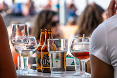 Vibes (Maria Eklind) Tags: beer djuphavsbadet summer skåne öresund malmö restaurant drink sweden vibes västrahamnen scaniaparken scaniabadetwater standup skånelän sverige
