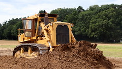 Digging in (Duck 1966) Tags: d9 caterpillar bulldozer weeting weetingsteamenginerally