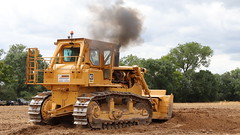D9 clag (Duck 1966) Tags: d9 caterpillar bulldozer weeting weetingsteamenginerally