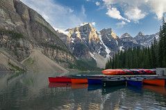 Moraine Lake, Banff National Park (lmazing) Tags: banff lakemoraine canada alberta nationalpark lake canoes mountains reflection