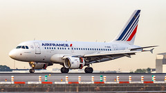 Airbus A318-111 F-GUGI Air France (William Musculus) Tags: plane spotter spotting aviation airplane airport paris charles de gaulle lfpg cdg roissy roissyenfrance william musculus fgugi air france airbus a318111 af afr
