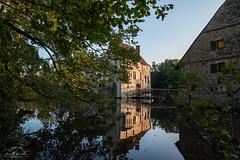 Burg Vischering (matt.winkler.23) Tags: burg vischering ludinghausen germany castle moat reflection fall nikon d5500 samyang 14