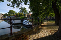 Evening in Hoorn (Julysha) Tags: hoorn evening trees 2019 thenetherlands noordholland bridge boats summer acr july d7200 shadow tokina12244