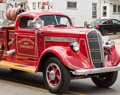 Studebaker Fire Engine (scattered1) Tags: july4th firetruck mi marquette truck upperpeninsula parade michigan summer engine marquettetownship northernmichigan 1937 northern independenceday fire studebaker 2019 fireengine red