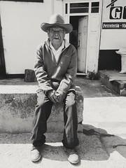 """""""Señor del camino"""" (Marcos Núñez Núñez) Tags: street streetportrait streetphoto streetpeople streetphotographer streetportraits streetphotography blackandwhite blancoynegro bw bwstreet oax oaxaca mx sombrero"""