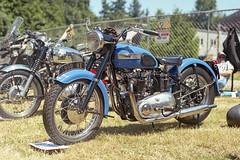 Triumph (vtom61) Tags: triumph motorcycle vntage allbritishfieldmeet kodak kodakektar100 pentax pentax67105mm24 pentax67ii mediumformat