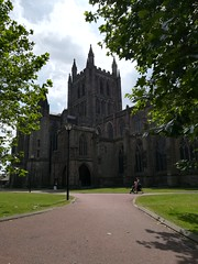 Hereford Cathedral (daveandlyn1) Tags: architecture building herefordcathedral placeofworship trees folige cloudysky walkway streetlighting people huaweip8 myphone pralx1 p8lite2017 smartphone psdigitalcamera cameraphone hereford