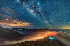 合歡山主峰~雲瀑銀河~  Milky way above cloud fall (Shang-fu Dai) Tags: 台灣 taiwan 南投 sonya7r2 sky landscape formosa galaxy 銀河 星空 milkyway 合歡山 mthehuan 雲海 3417m 主峰 戶外 雲瀑 天空 happyplanet asiafavorites