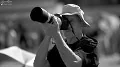 André (Laurent Quérité) Tags: canonfrance canoneos5dmarkii canonef100400mmf4556lisusm noirblanc blackwhite portrait homme photographe spotter man meetingdefrance meetingaérien airshow ba102 longvic lfsd aéroportdedijon dijon france