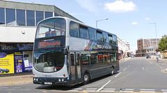 Transdev Burnley & Pendle 2750 PJ05ZVW (aptyldsley) Tags: transdev burnleypendle burnley volvo volvob7tl wrightbus wrightgemini