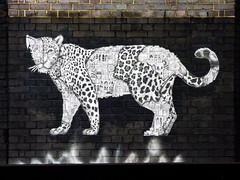 The Clockwork Jaguar (Steve Taylor (Photography)) Tags: jaguar gears cogs clockwork animal art graffiti mural streetart black brown white uk gb england greatbritain unitedkingdom london